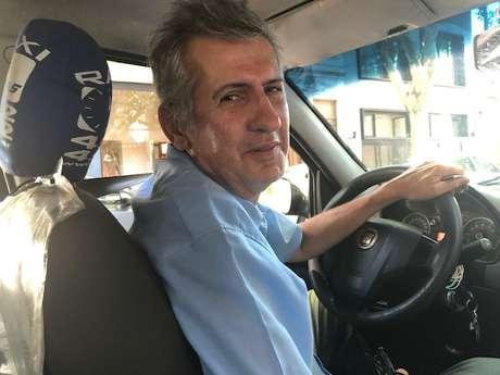 """Marcelo Martínez, taxista argentino: """"A gente acostuma a apertar daqui e dali e vai levando"""""""