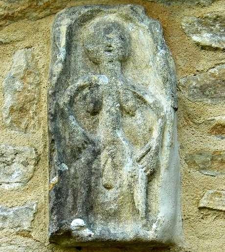 Sheela-na-gig': A história das esculturas de mulheres nuas ...