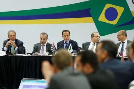 Secretário da Previdência, Rogerio Marinho (segundo à esquerda), participa em Brasília de reunião sobre a reforma previdenciária. 20/2/2019. REUTERS/Adriano Machado - RC11C8709FE0