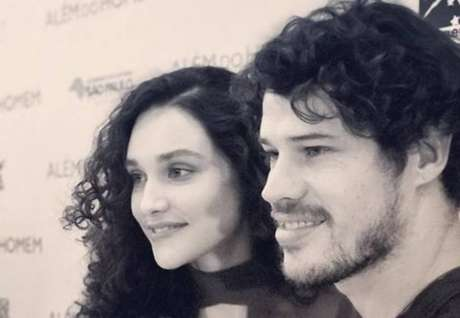 Os atores Débora Nascimento e José Loreto.
