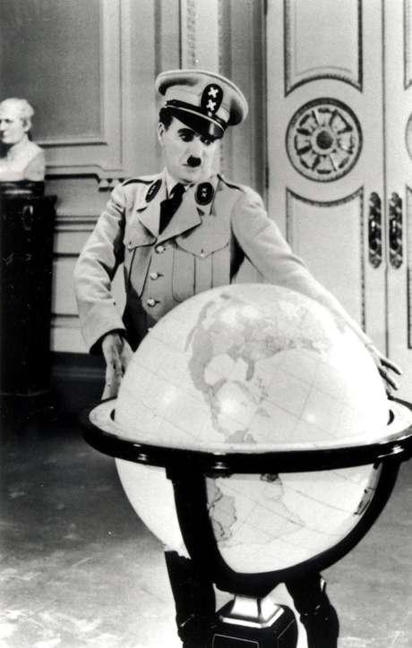 Cena do filme 'O Grande Ditador', de Charles Chaplin.