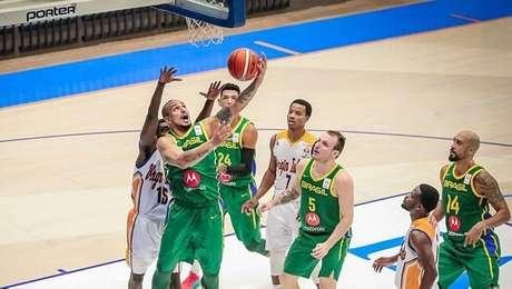 Alex Garcia anota mais dois pontos para o Brasil na vitória sobre Ilhas Virgens