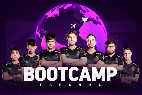 A equipe de League of Legends da Vivo Keyd se encontrará com o time da Movistar Riders na Espanha para um bootcamp de uma semana