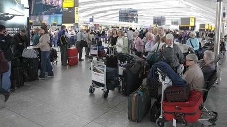 Uma nuvem de cinzas vulcânicas provocou o fechamento de aeroportos em todo o mundo em 2010