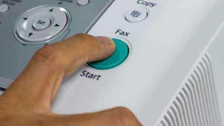 O FBI só aceita alguns tipos de pedidos por fax