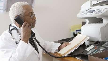 No setor médico, profissionais usam o fax para proteger dados dos pacientes