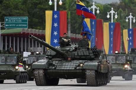 Estimativas oficiais indicam que Forças Armadas venezuelanas contam com 95 mil a 150 mil integrantes