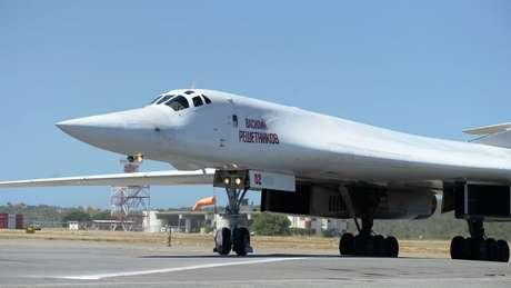 Aviões russos Tu-160 fazem parte do arsenal militar da Venezuela