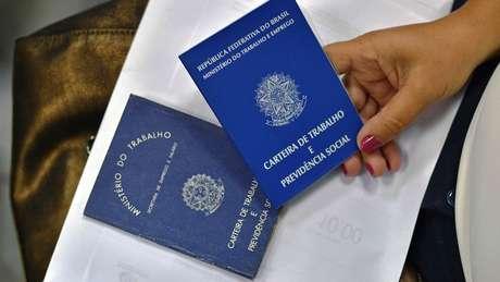 O Brasil tem 1,4 milhão de aposentados pelo INSS que continuam trabalhando com carteira assinada