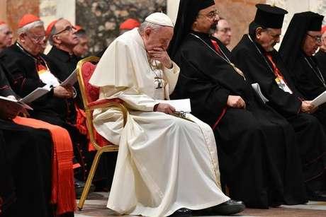 Papa Francisco participa de rito de penitência por causa de escândalos de pedofilia