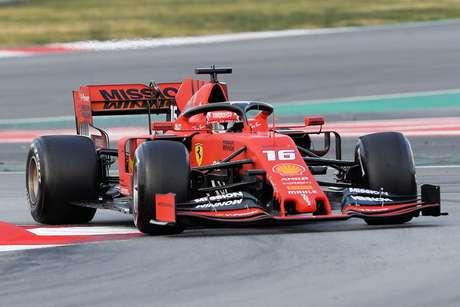 Ferrari irá alternar os pilotos em cada dia de testes na próxima semana