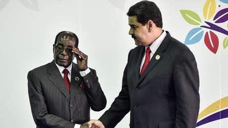 Há quem chame o Zimbábue de 'Venezuela da África'