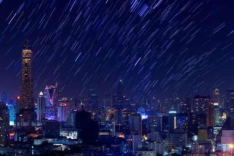 'Queremos usar o céu como uma tela de pintura', diz empresária que tenta criar artificialmente chuva de meteorosos como essa