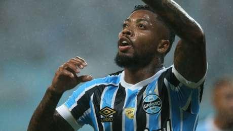 Marinho foi o destaque do Grêmio em mais uma vitória do time no Gauchão (Foto: Raul Pereira/Fotoarena)