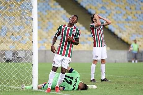 Marcos Calazans, do Fluminense, durante partida contra o Antofagasta (CHI), válida pela primeira fase da Copa Sul-Americana, no estádio do Maracanã, na zona norte do Rio de Janeiro, nesta terça-feira, 26.