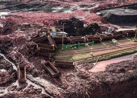 Cenário de destruição na região é impressionante