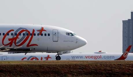 Avião da gol se prepara para decolagem no aeroporto de Congonhas, SP 09/08/2017 REUTERS/Paulo Whitaker