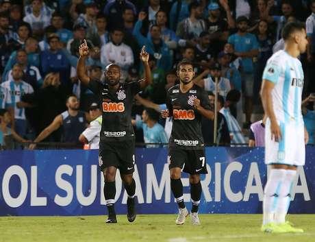 Vagner Love comemora o gol do Corinthians