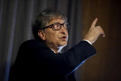 Bill Gates, cofundador da Microsoft, doará US$ 100 milhões para a OMS para pesquisa e desenvolvimento de uma vacina.