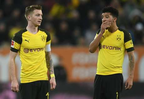 Reus e Sancho ficaram sem reação (Foto: AFP)