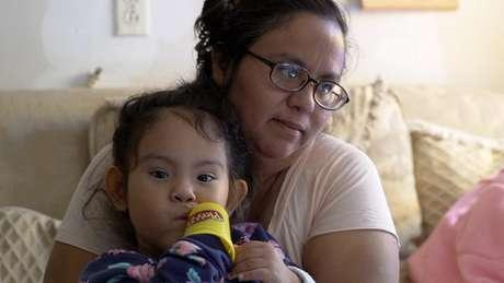 'Às vezes, não há o que comer', diz Débora Hernández, cidadã americana nascida em Escobares