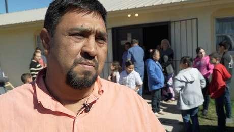 Muitas pessoas como Homero Rosales vão buscar trabalho fora da cidade