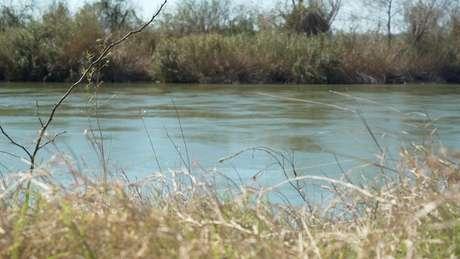 Rio Grande marca fronteira entre EUA e México