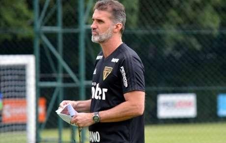 Mancini dá ênfase para o trabalho de bola parada
