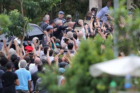 Lula chega ao funeral de seu neto