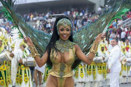 Pâmella Gomes, a Rainha de Bateria da Tom Maior