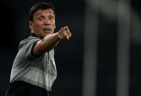 Zé Ricardo está ciente das dificuldades no Raulino de Oliveira (Foto: Vitor Silva/SSPress/Botafogo)