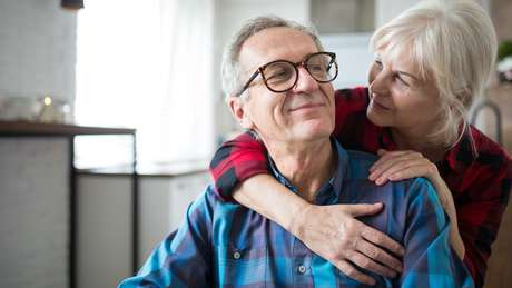 O estudo focou casais de meia idade e idosos, porque o nível de interdependência em relacionamentos de longo prazo tende a ser maior