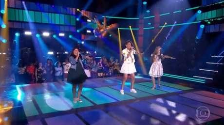 Participantes do'The Voice Kids' cantam e dançam 'Ragatanga', do Rouge.