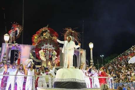 Antônio Pitanga foi homenageado pela escola de samba Porto da Pedra.
