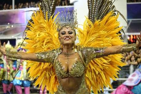 Ellen Roche, rainha de bateria da Rosas de Ouro