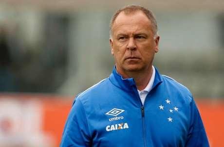 Mano ainda voltou aos trabalhos com a equipe neste domingo antes da viagem para Buenos Aires, na terça-feira-Foto: Divulgação