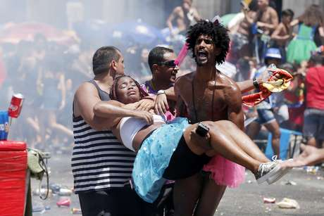 Confusão encerra desfile do bloco do Fervo da Lud e deixa mais de 200 feridos