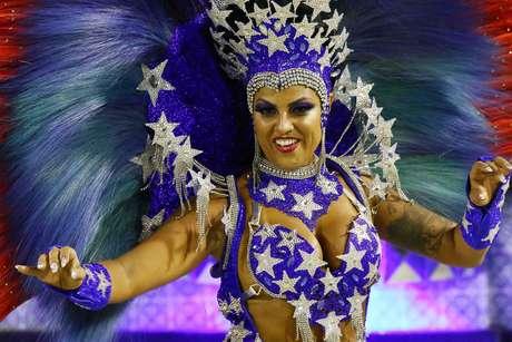 Denise Dias, madrinha de bateria da Paraíso do Tuiuti