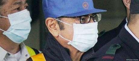 Carlos Ghosn ao deixar prisão em Tóquio