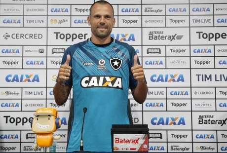 Cavalieri foi contratado na atual temporada (Foto: Vitor Silva / SS Press / BFR)