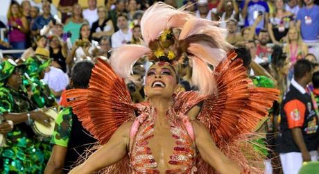 Juliana Paes na Grande Rio (Foto: AgNews)