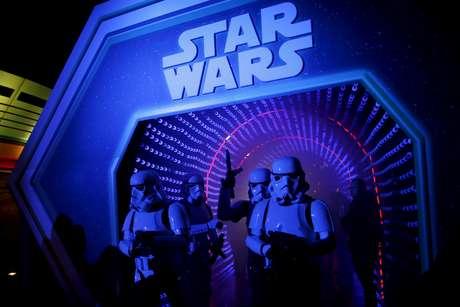 """Evento para promover o filme """"Star Wars - O Despertar da Força"""", em na Disneylândia Paris 17/12/2015 REUTERS/Benoit Tessier/File Photo"""