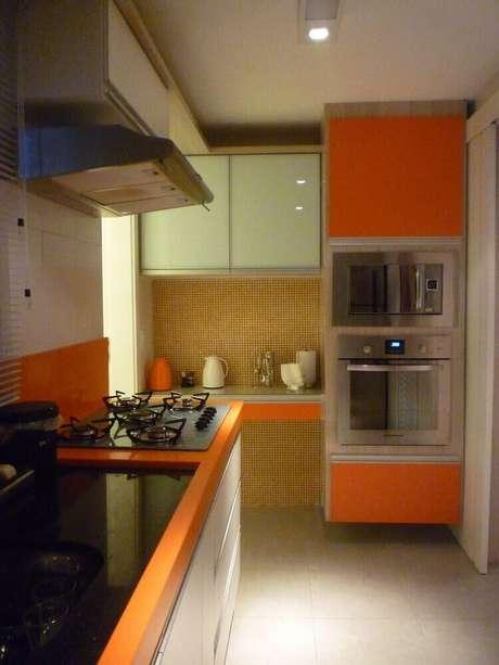 57- O laranja trás mais alegria à decoração da cozinha