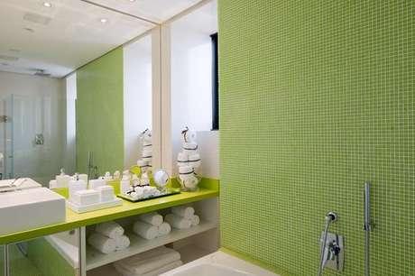 23- Escolha cores de tintas de parede verde para um ambiente diferente. Projeto de Brunete Fraccaroli.