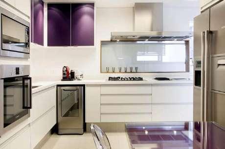 50- A combinação de cores para cozinha deixou-a bem moderna e sofisticada.