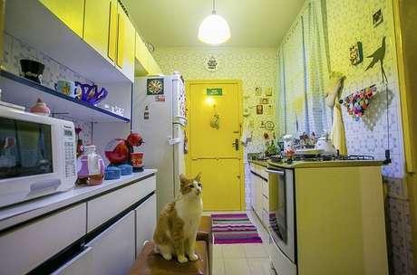 19- Aposte em cores de tintas de casas amarelas para um efeito luminoso. Projeto de Casa Aberta.