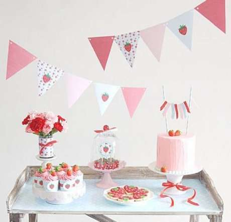 37. Temas para mesversário como frutas e elementos da natureza são bem frequentes e garantem decorações lindas – Foto: Pinterest