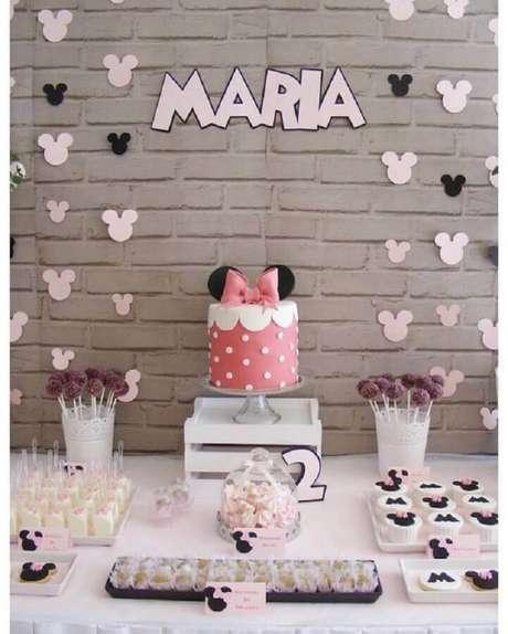 4. Um dos temas para mesversário de menina mais utilizados é o da Minnie – Foto: Pinosy