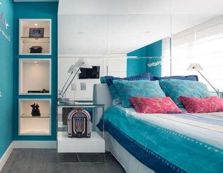 26- Cores de casas nos tons de azul são boas para o relaxamento do quarto. Projeto de Anne Báril.