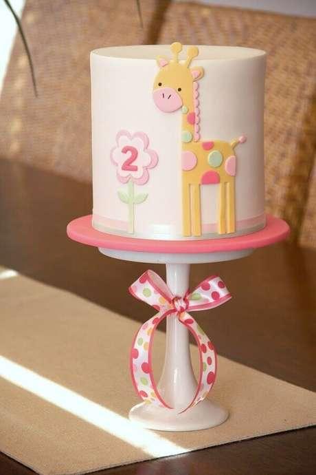 10. Além de bonito o bolo mesversário também precisa ser saboroso – Foto: Air Freshener